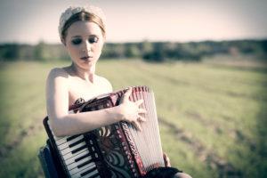 "ZUZANNA - piosenka literacka z nutką folku @ MOK ""Amfiteatr"""
